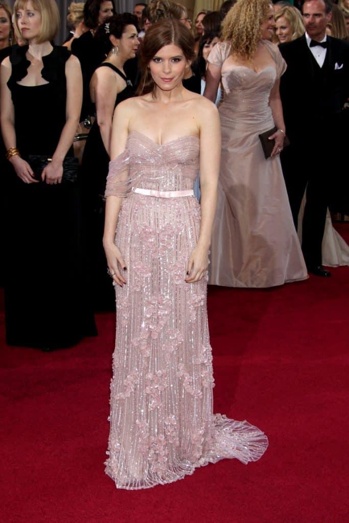 Kate Mara arrives at the Academy Awards