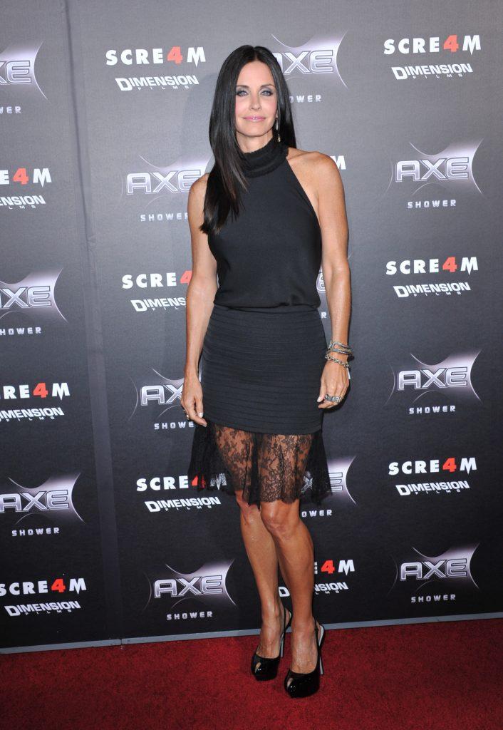 Courteney Cox at the Scream 4 World Premiere