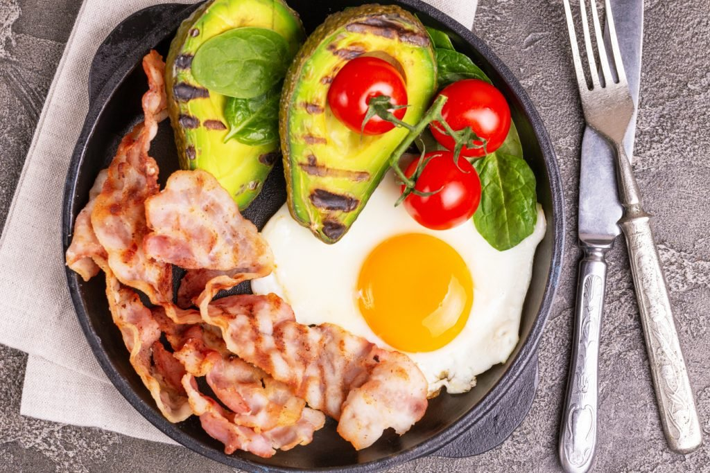 Grilled bacon and avocado