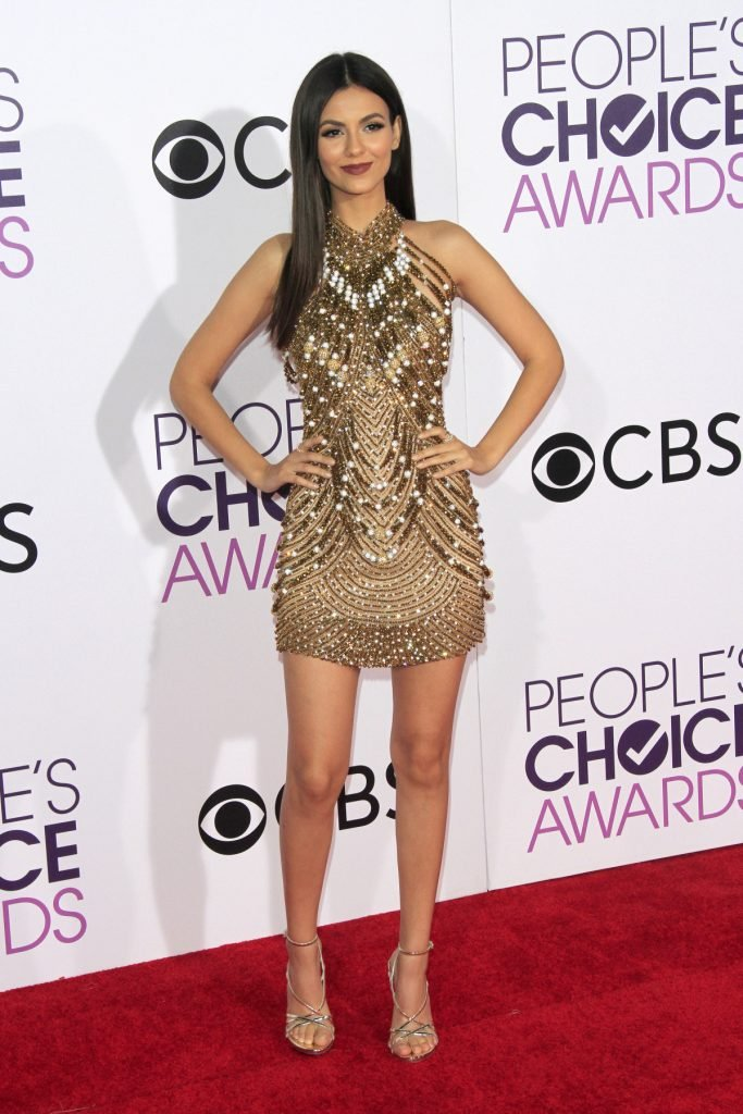 Victoria Justice at the People's Choice Awards
