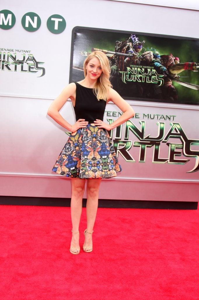 Abby Elliott at the Teenage Mutant Ninja Turtles Premiere