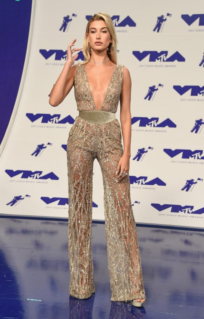 Hailey Baldwin arrives for the MTV Video Music Awards